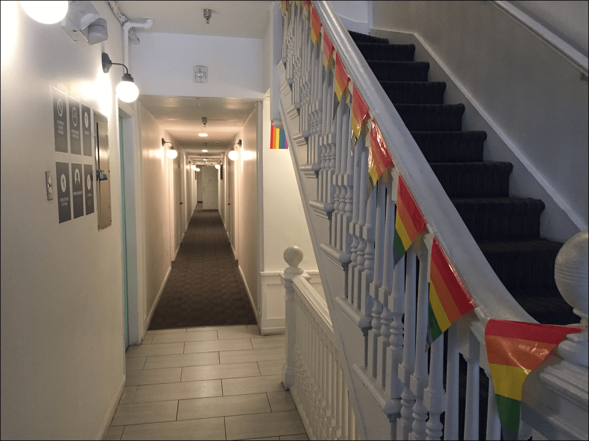 Pride Parade THE Hub Korridor