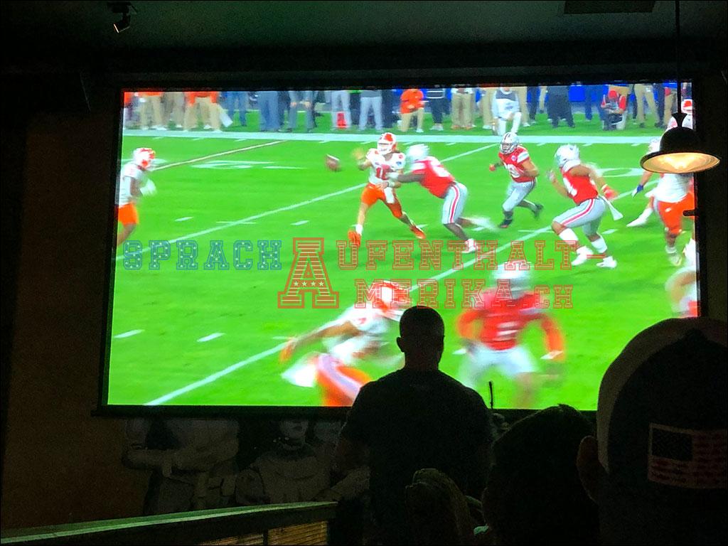 American Football Spiel im Bootlegger in San Diego